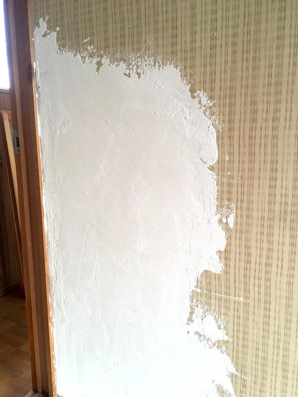 DIY初心者が漆喰を塗る!昭和の壁をセルフリノベーションしました
